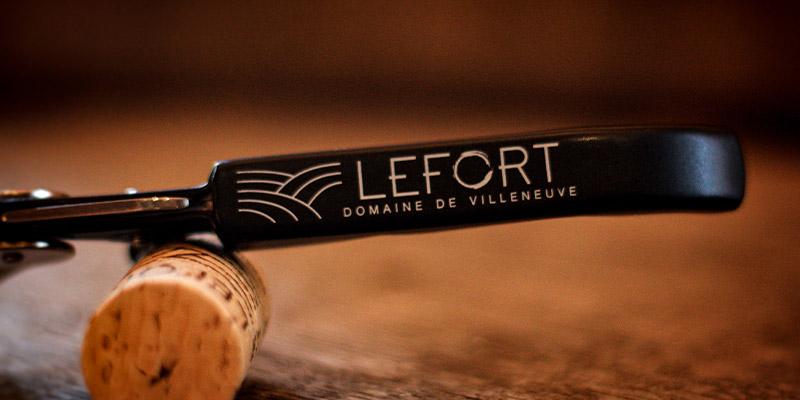 Photo d'un tire-bouchon estampillé Domaine Lefort